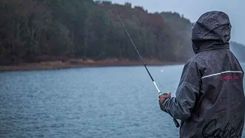 What to Wear for Fishing in The Rain