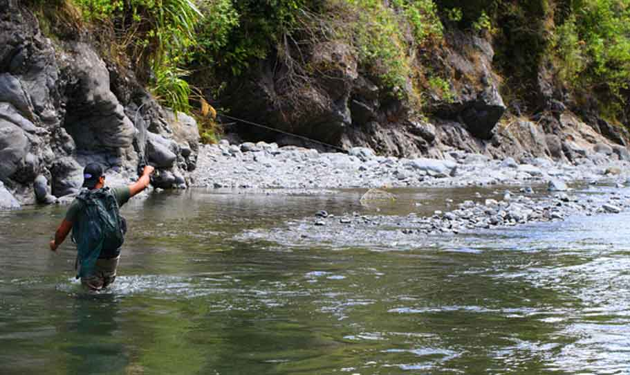 Fishing in Downstream for fast water